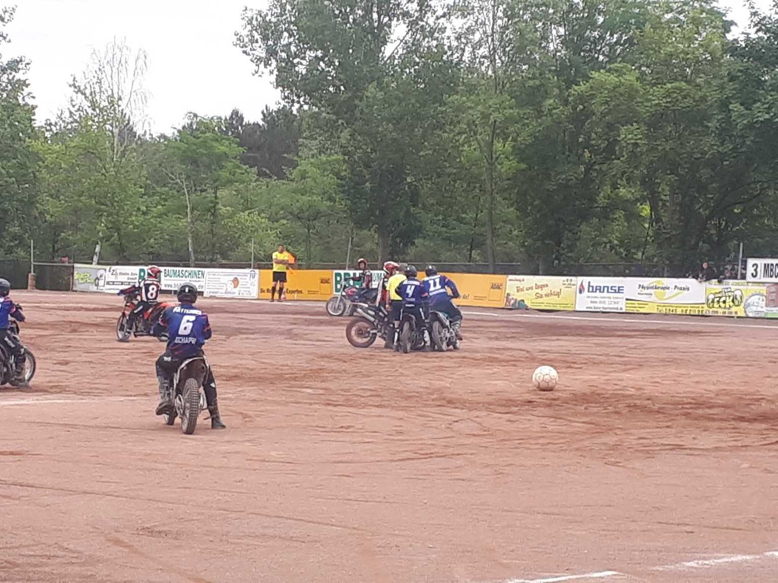 Motoballkrimi in Halle